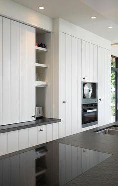 White Kitchen: Discover 70 Ideas with Inspiring Photos - Home Fashion Trend Kitchen Dinning Room, Farmhouse Kitchen Cabinets, Rustic Kitchen, Kitchen Decor, Kitchen Walls, Scandinavian Kitchen, Minimalist Kitchen, Cuisines Design, Küchen Design