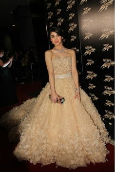 Julia Barretto in Michael Cinco, Star Magic Ball 2013 Debut Gowns, Debut Dresses, Nice Dresses, Formal Dresses, Amazing Dresses, Flower Dresses, Star Magic Ball, Bridal Gowns, Wedding Gowns