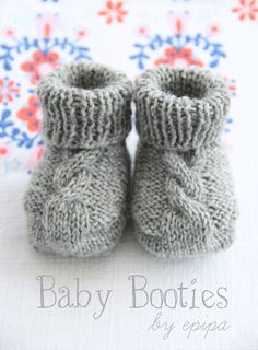 Knitted Baby Booties ~ Use this free cable knit pattern to make baby booties…