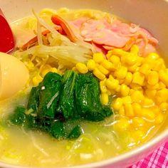 今日はムシムシ暑かった〜。けど〜…ラーメン。 ウマッ❤️暑い〜。 フラレッスンだったので21:30の夕食(^O^) 2014.6.12 - 49件のもぐもぐ - 濃厚塩ラーメンで夕食 by kazu347