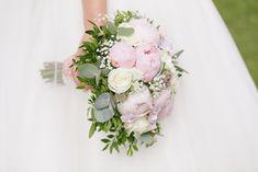 Vakre bryllupsbilder fra Hafslund Hovedgård  #bryllup #bryllupsfoto #bryllupsinpsirasjon Studios, Floral Wreath, Decor, Creative, Pictures, Floral Crown, Decoration, Decorating, Flower Crowns