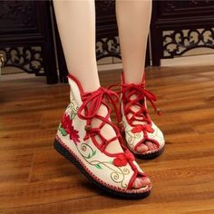 Chinese Knot Old Beijing Summer Shoes Embroidered Flower Hollow Out S# Beautiful Shoes, Beautiful Outfits, Cool Outfits, Fashion Shoes, Fashion Outfits, Chinese Clothing, Open Toe Sandals, Hanfu, Character Outfits