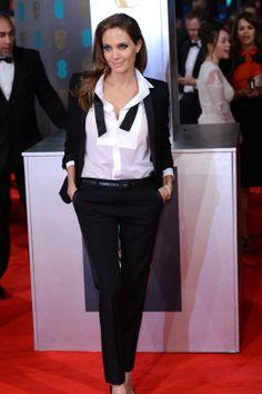 Täglich neu. Look des Tages. Angelina Jolie in Saint Laurent. http://www.welt.de/icon/article124496720/Der-Look-des-Tages-Martin-Scorsese-in-Giorgio-Armani.html