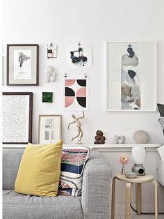 Klein appartement collage boven de bank