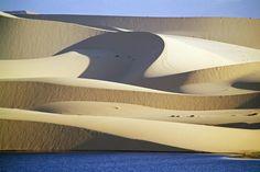 Sand dunes near beach resort of Mui Ne    I   Vietnam