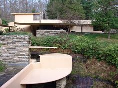 Fallingwater pictures: Guest house, from main house (Frank Lloyd Wright house above waterfall) Frank Lloyd Wright Buildings, Frank Lloyd Wright Homes, Organic Architecture, Art And Architecture, Falling Water House, Falling Waters, Falling Water Frank Lloyd Wright, Waterfall House, Mockup