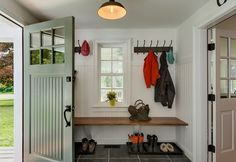Simple Bench in Mudroom