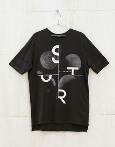 T-shirt imprimé et texte - Tee-shirts - Bershka France Shirt Print Design, Tee Shirt Designs, Tee Design, T Shirt Polo, Tee Shirts, Beau T-shirt, Geile T-shirts, T Shirt Company, Vintage Design