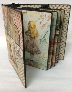 Discover recipes, home ideas, style inspiration and other ideas to try. Papel Scrapbook, Mini Scrapbook Albums, Scrapbook Pages, Book Crafts, Paper Crafts, Alice In Wonderland Room, Mini Album Tutorial, Bullet Journal, Junk Journal