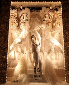 One of the best things about the holiday season = window displays!  Wish I could be in NYC to see these.  Bergdorf Goodman Holiday Windows 2012