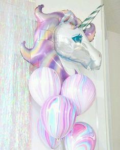 Balões trazem alegria e trazem bastante identidade para festa. Olha só q amorzinho de ideia *-* . . . . #unicórnio #unicorn #unicornios #unicornio #balões #festa #unicornparty #bday #aniversario #instaunicorn #instaunicornio #unicornsarereal #unicornlove #unicornlover #meuarcoirisdeunicornio #likeever #likeeverything #like4like #likeforlike #followme #follow