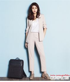 Kang Sora Does Fun Office Looks in Latest Fashion Shoot for Cosmopolitan Smart Casual Outfit, Smart Casual Women, Stylish Work Outfits, Office Outfits, Casual Outfits, Fashion Outfits, Korean Fashion Office, Work Fashion, Asian Fashion