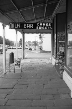 David Wadelton - Kyneton Milk Bar, 1985 i really enjoy the composition and the serenity of the space