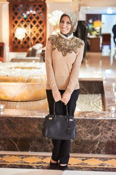 HH Style Guide: Gold Neckpiece + Vintage Scarf at The Palace Downtown – Haute Hijab