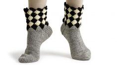 Crochet Socks, Knit Crochet, Slippers, Opi, Knitting, Pattern, Yarns, Fashion, Socks