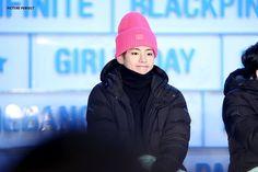Las etiquetas más populares para esta imagen incluyen: bts, v, kpop, bangtan boys y kim taehyung