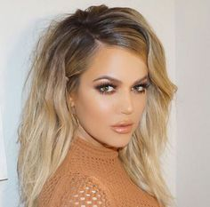 Meaning of the dream in which you see the Khloe Kardashian. Detailed description about dream Khloe Kardashian. Koko Kardashian, Estilo Kardashian, Khloe Kardashian Hair Ombre, Khloe Hair, Kardashian Style, Kardashian Jenner, Corte Y Color, Cornrows, Blonde Balayage
