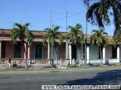 Arcade characteristic of the region, The City. Pinar del Rio