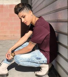 21 - The most beautiful Unisex hairstyles of 2019 year - 1 Your lover is extremely jealous. You're in the same school, and he doesn't want anyone near. Short Shaved Hairstyles, Tomboy Hairstyles, Cool Hairstyles, Super Short Hair, Short Hair Cuts, Short Hair Styles, Unisex Haircuts, Androgynous Hair, Short Hair Undercut