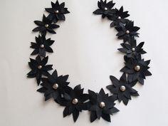 Колье из кожаных цветов (DIY) / Украшения и бижутерия / ВТОРАЯ УЛИЦА