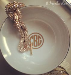 DIY Round Monogram Tutorial for your Silhouette CAMEO or Portrait from 11 Magnolia Lane
