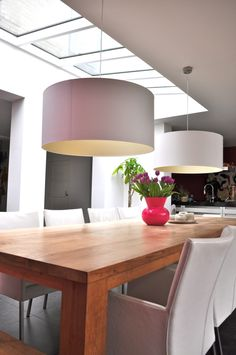 1000 images about licht on pinterest lamps modern and for Wandlamp boven eettafel