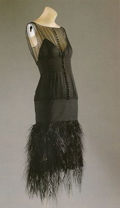 shewhoworshipscarlin: Evening dress by Chanel, 1920s.