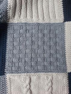 """Cath et Cie Créas: The completely different squares of the blanket """"patchwork"""" … Quilt Square Patterns, Patchwork Quilt Patterns, Patchwork Blanket, Square Quilt, Patchwork Ideas, Knitted Throw Patterns, Knitting Patterns, Knitted Baby Blankets, Knitted Blankets"""