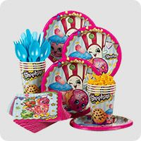 Has she always dreamed of having a Shopkins Party party? Wholesale Party Supplies has everything you need to make this happen, such as our Shopkins Party Party Ideas. Birthday Box, 6th Birthday Parties, Birthday Ideas, Shopkins Bday, Shopkins Cake, Party Kit, Party Stores, Party Tableware, Party Themes