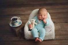 New funny baby boy photography kids 53 ideas Funny Baby Photography, Newborn Photography Poses, Photography Ideas, Baby Boy Pictures, Newborn Pictures, Funny Babies, Cute Babies, Erwarten Baby, Foto Baby