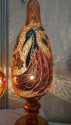 Pyrography Patterns, Gourd Lamp, Glass Bottle Crafts, Diy Crystals, Lamp Design, Lampshades, Boho Decor, Wood Art, Lanterns