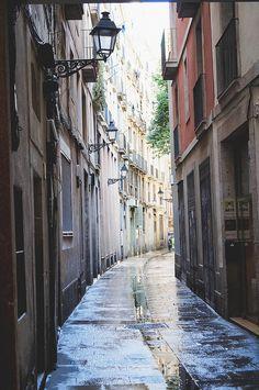 street of barcelona | by Tania Joy Real Estate Oi Barcelona ofrecemos Excelencia!! Agencia inmobiliaria de lujo en Barcelona, España .