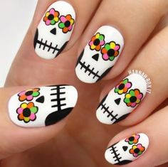 inspiring nail arts cali nails Nail skull nail art clear nails plus grey acrylic nails Nail Art Halloween, Halloween Nail Designs, Holiday Nail Art, Halloween Ideas, Funny Halloween, Halloween Costumes, Sugar Skull Nails, Skull Nail Art, Sugar Skulls