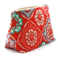Vintage-Inspired Cosmetic Bags, Under $10 Shipped---KCL Exclusive Price!