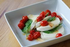 When the heat starts to pick up in the Summer, nothing beats a caprese salad. Simple to make, you only need a few ingredients: tomatoes, mozzarella, basil, and olive oil. And the fresher the better! If you're worried about calories, opt for a part-skim mozzarella, which still tastes satisfying. Carbs per serving: 9 grams Source: Flickr user bhamsandwich