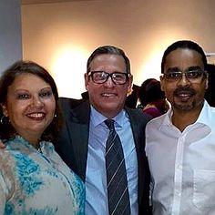 Exposición 25+1 Joyeria Contemporanea en Galeria Arte Consult. En la imagen nuestra alumna Lourdes Perez Molina, Rafael Bello y el Arquitecto Ruben Lopez Maitin.