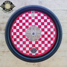 Red and White Checkers Deko Disc