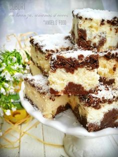 Angel's food: Prajitura cuburi cu branza, ananas si nuca de cocos Gourmet Recipes, Sweet Recipes, Cake Recipes, Cooking Recipes, Romanian Desserts, Romanian Food, No Cook Desserts, Easy Desserts, French Pastries