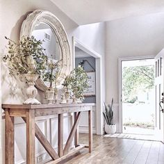 39 Awesome French Home Decoration Ideen Haus Dekoration Home Living Room, Farm House Living Room, Interior, Living Room Decor, Entryway Decor, Home Decor, House Interior, Room Decor, French House