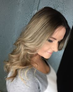 Colour melt Root stretch Transformation Hair make over Color Melting, Phoenix, Colour, Long Hair Styles, Videos, Beauty, Color, Long Hairstyle, Long Haircuts