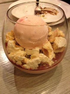 스트로베리 아이스크림 치즈케이크 요거트