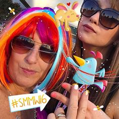 As you may know (or not): I love love love Social Media. . . . . . . . . Right now the Social Media Marketing World (hosted by @smexaminer) takes place in sunny San Diego. All my favorite social peeps are there. And I am not  But: we all can follow them via the hashtag #smmw16 here on Instagram. For example these two amazing women in this picture: @suebzimmerman and @schmittastic. Instagram and You Tube experts. (Had to pimp @suebzimmerman pic a little ) . . . . . . . . . I also highly…
