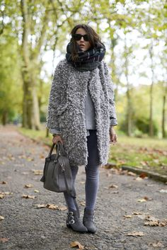 what-id-wear:  What I'd Wear: The Outfit Database (source: Lovely Pepa )