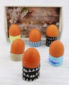 DIY Eierbecher aus Klorollen basteln - schnelle DIY Upcycling Idee, DIY Idee für Ostern, Eierbecher selber machen Diy Upcycling, Diy Ostern, Food, Zero, Diy, Paper Craft, Egg Cups, Upcycling Ideas, Eten
