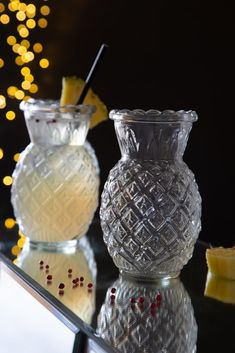 Cocktail Jars, Cocktail Book, Cocktail Recipes, Pineapple Tumbler, Pineapple Cocktail, Pineapple Punch, Cocktail Accessories, Home Bar Accessories, Champagne Saucers