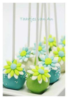 Cookiechocs Cakepops Taartjes van An bruidsproeverij cakepops 2.jpg