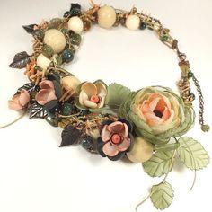 Купить Неровное Дыхание Весны. Колье, брошь - цветок, цветы из ткани - оливковый, зеленый