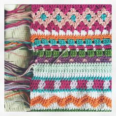 I'm only at the halfway point with the blanket, but I must stop to sew in all of those pretty ends. Scrap Yarn Crochet, Form Crochet, Crochet Home, Crochet Motif, Crochet Stitches, Knit Crochet, Crochet Blanket Border, Crochet Blanket Patterns, Manta Crochet