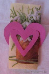 Szívalakú szalvétagyűrű Bálint napra - Bálint nap - Valentin nap - Valentin day - fonal - saját készítésű - DIY