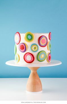 Mod Polka Dot Cake - how to make colorful polka dot toppers for cakes and cupcakes using chocolate candy coating. Buttercream Cake, Fondant Cakes, Cupcake Cakes, Frosting, Pretty Cakes, Cute Cakes, Beautiful Cakes, Polka Dot Cakes, Polka Dots